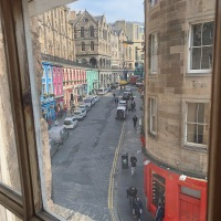 Scotland Tour:  Arriving in Edinburgh, unexpected changes and the historic apartment